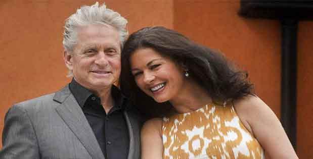 Hombre mayor y mujer joven