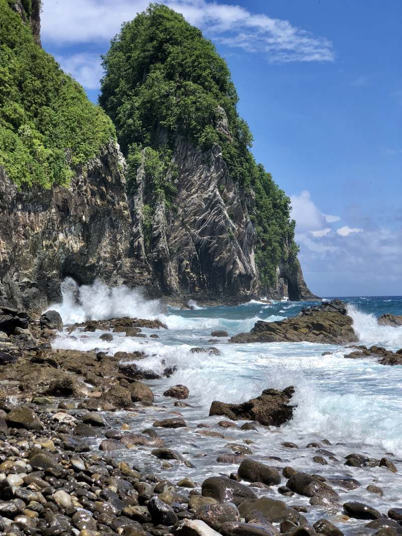 Pola Island
