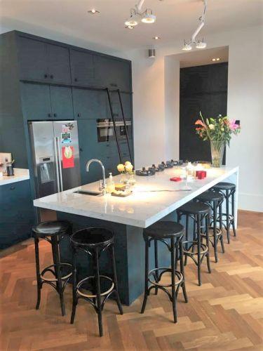 Moderne Keuken met Keukeneiland