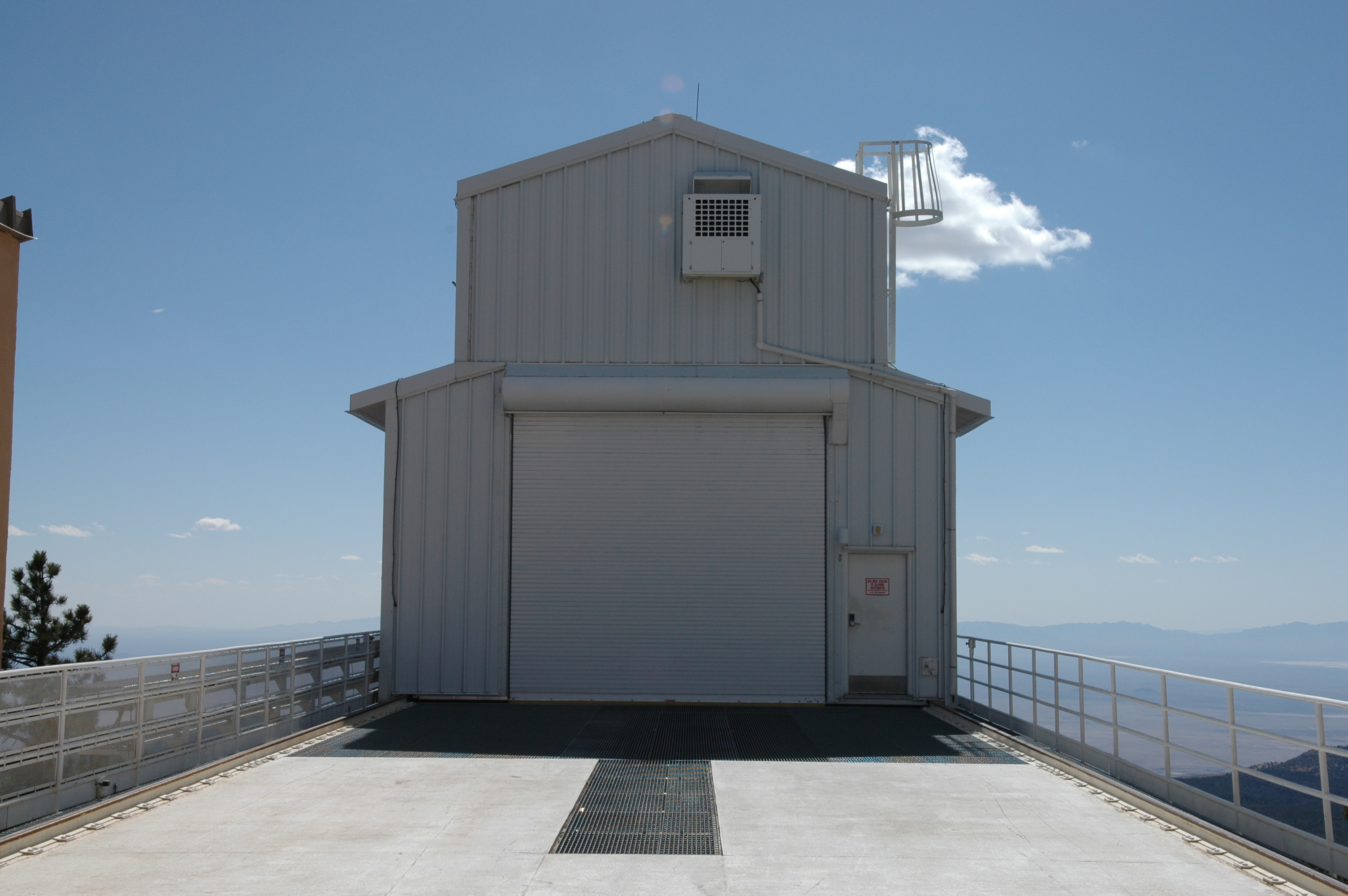 Housing, 2.5m Sloan Telescope, Apache Point Observatory