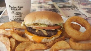 Pirates Cove Cheeseburgers and Bushwackers among 100 Dishes to Eat in Alabama