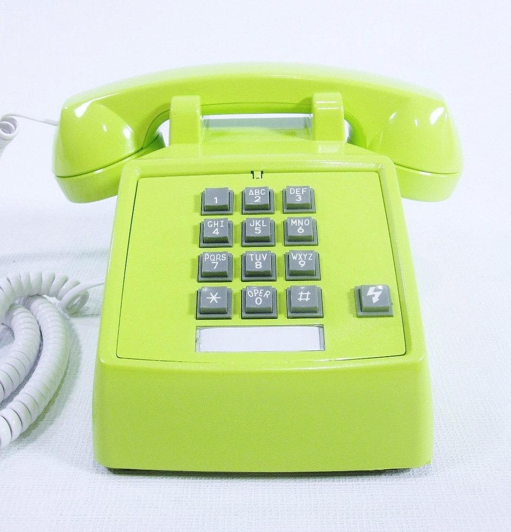 VINTAGE TELEPHONES RSSA Vintage Boutique