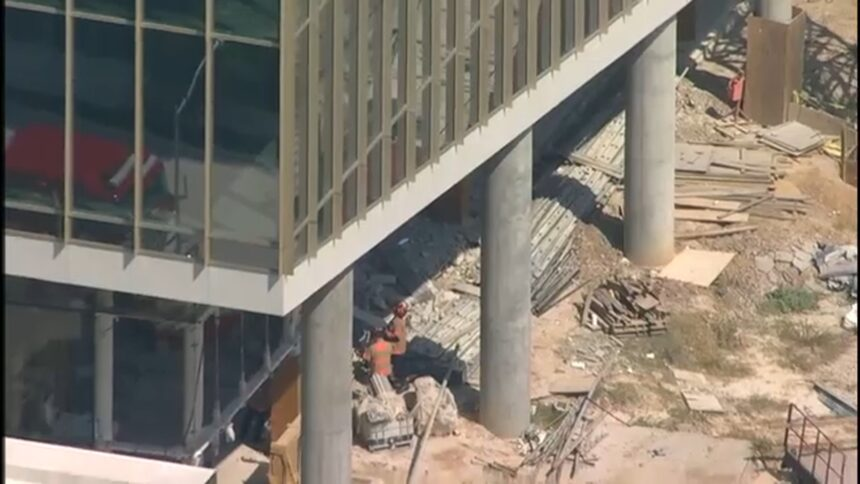 3 dead, 1 hurt after partial building collapse in Houston