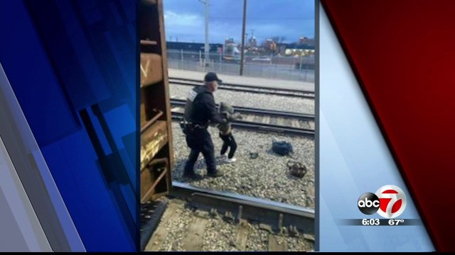 3 migrants hurt trying to jump on moving train in Hudspeth County