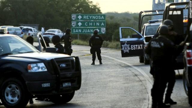 mexican police roadblock