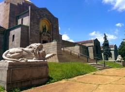 Oak Grove Cemetery lion and mausoleum