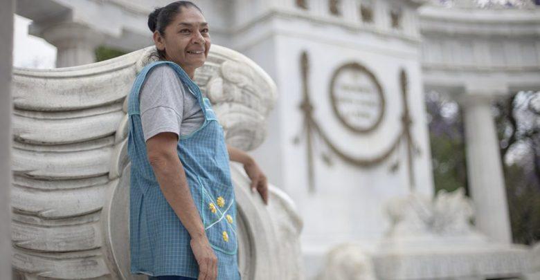 """Photo of La """"reina del albur"""" ganó su título en el concurso """"Trompos contra pirinolas"""""""