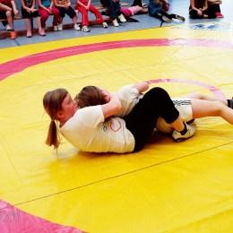 Jubel und Trubel beim Ringen in der Sporthalle der Greizer Lessingschule