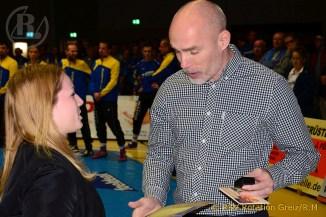 Eyleen Sewina mit Ehrennadel des Thüringer Ringerverbandes ausgezeichnet