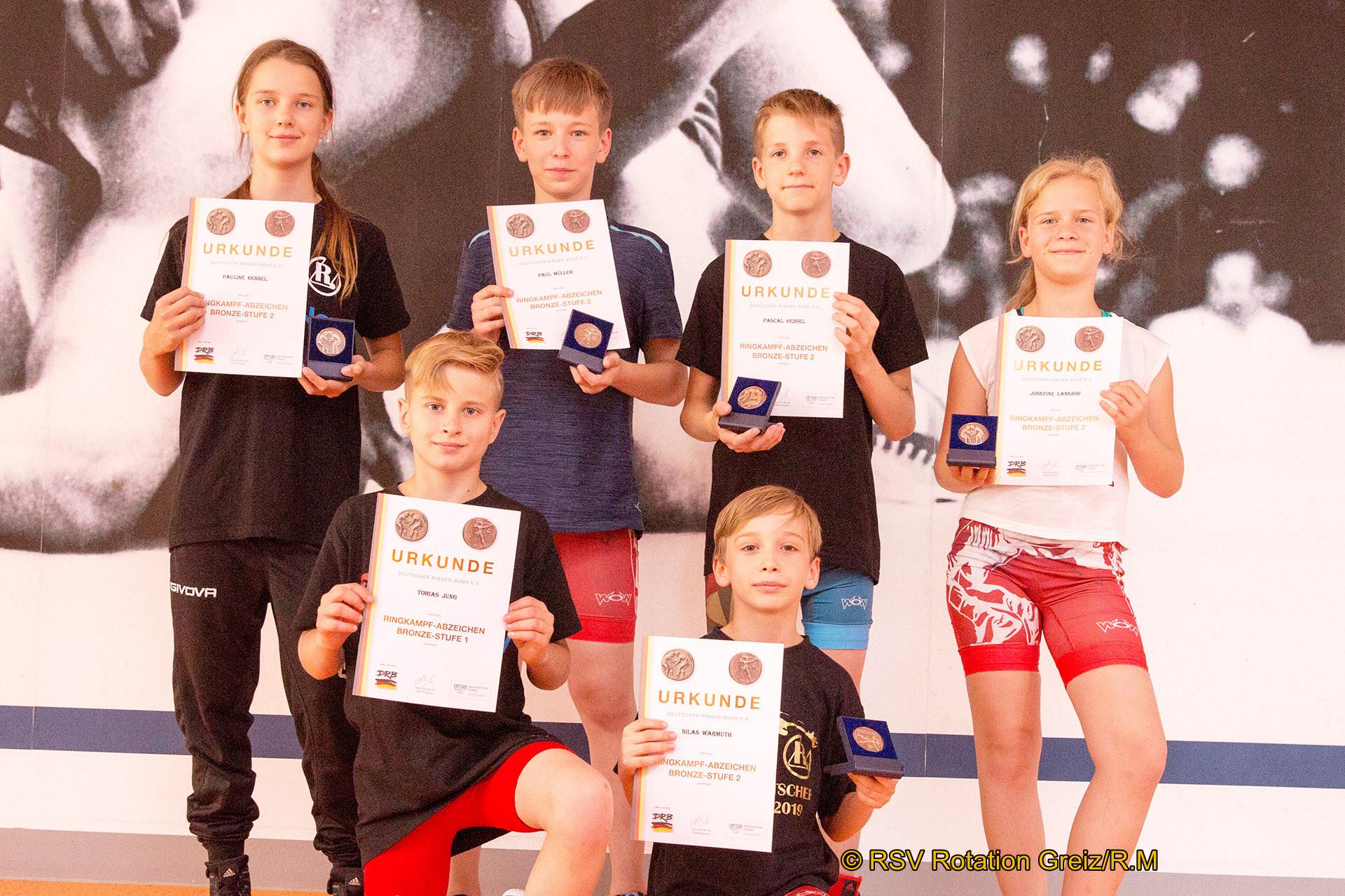 Greizer Nachwuchssportler legen Ringkampfabzeichen ab