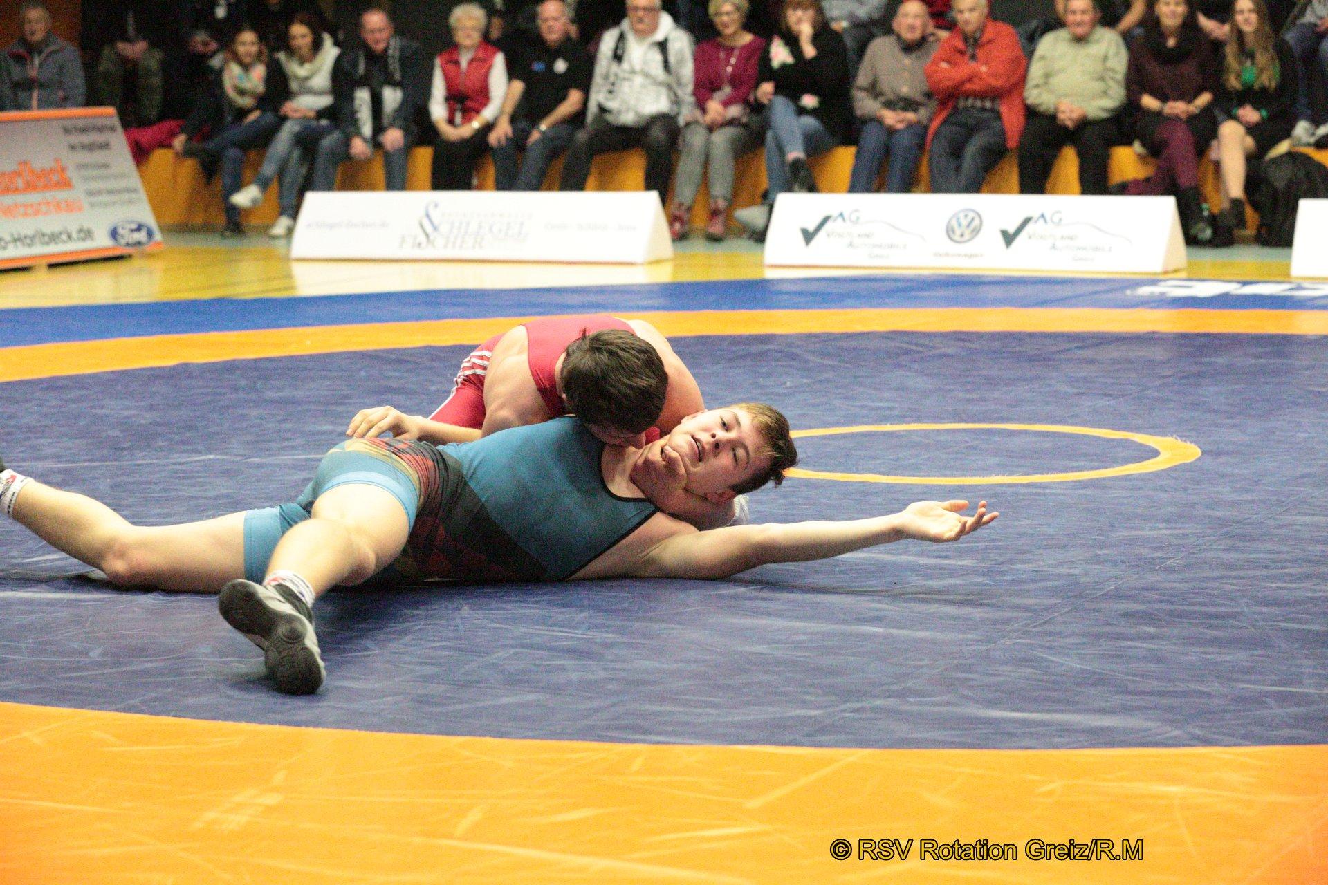 66kg Freistil: Dustin Nürnberger (rotes Trikot), RSV Rotation Greiz II gegen Jonas Nientit, AC 1990 Taucha 4:0/SS/10:2/02:37