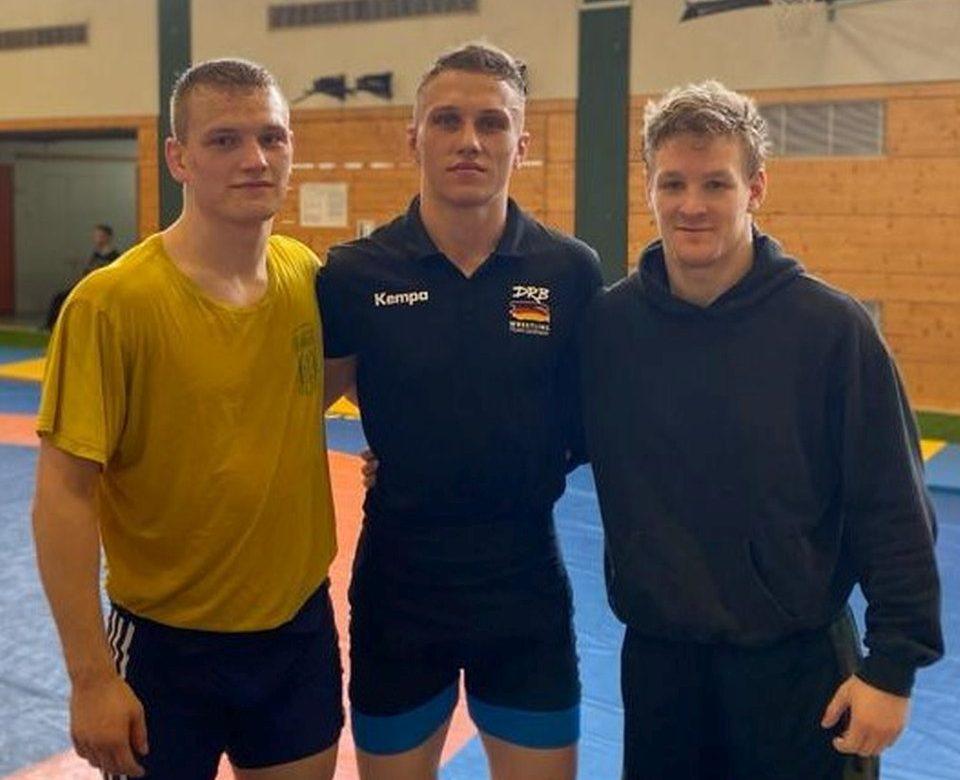 Lukas Kahnt (Bildmitte), Richard Schröder (links) und Joel Wrensch