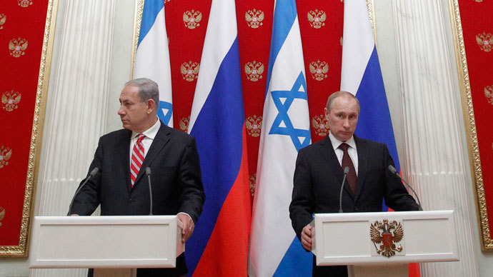 Russian President Vladimir Putin (R) and Israel's Prime Minister Benjamin Netanyahu take part in a joint news conference in Moscow's Kremlin November 20, 2013.(Reuters / Maxim Shemetov)