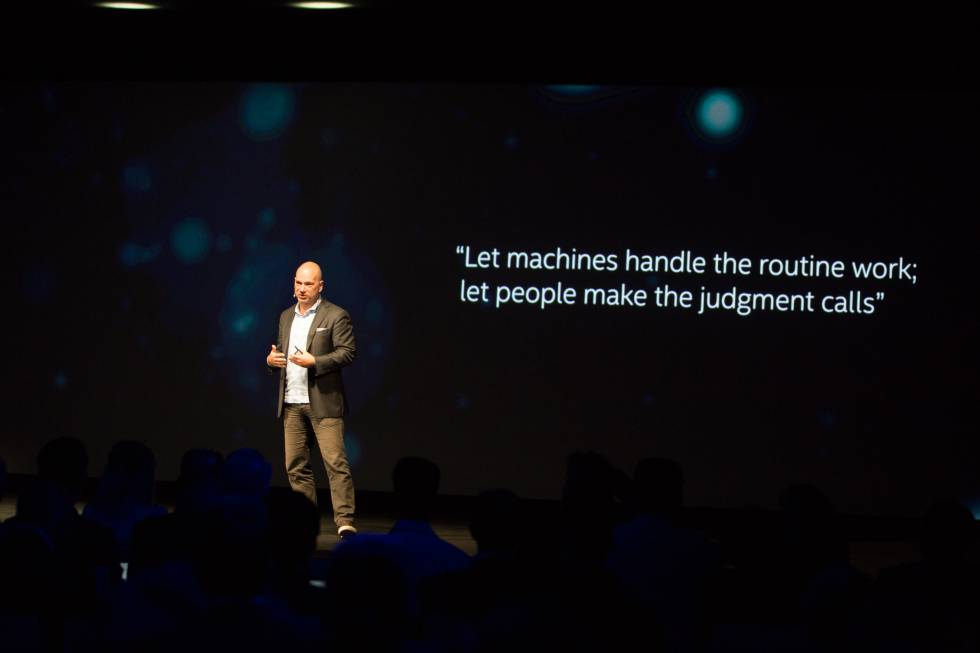 Andrew McAfee durante su intervención en Intel Shift