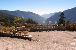 Boxenstopp auf 2900 Metern. Auf dem kleinen Panoramaparkplatz verkaufte eine Frau taiwanische Früchte.