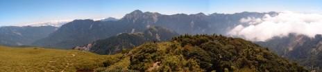 Angekommen auf dem Hehuanshan bot sich ein faszinierender Ausblick auf die umliegenden Bergketten.