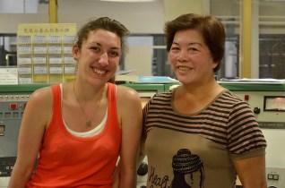 Aurélie toujours aussi rayonnante en compagnie d'une collègue de Huwei