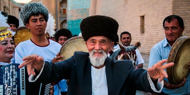 В Узбекистане туристам разрешили свободно фоткать