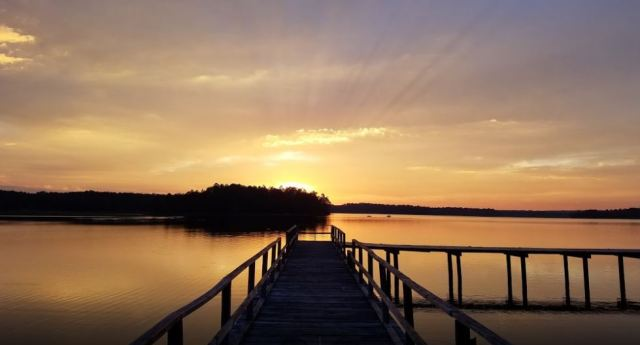 Dusk on the 640 acre lake...