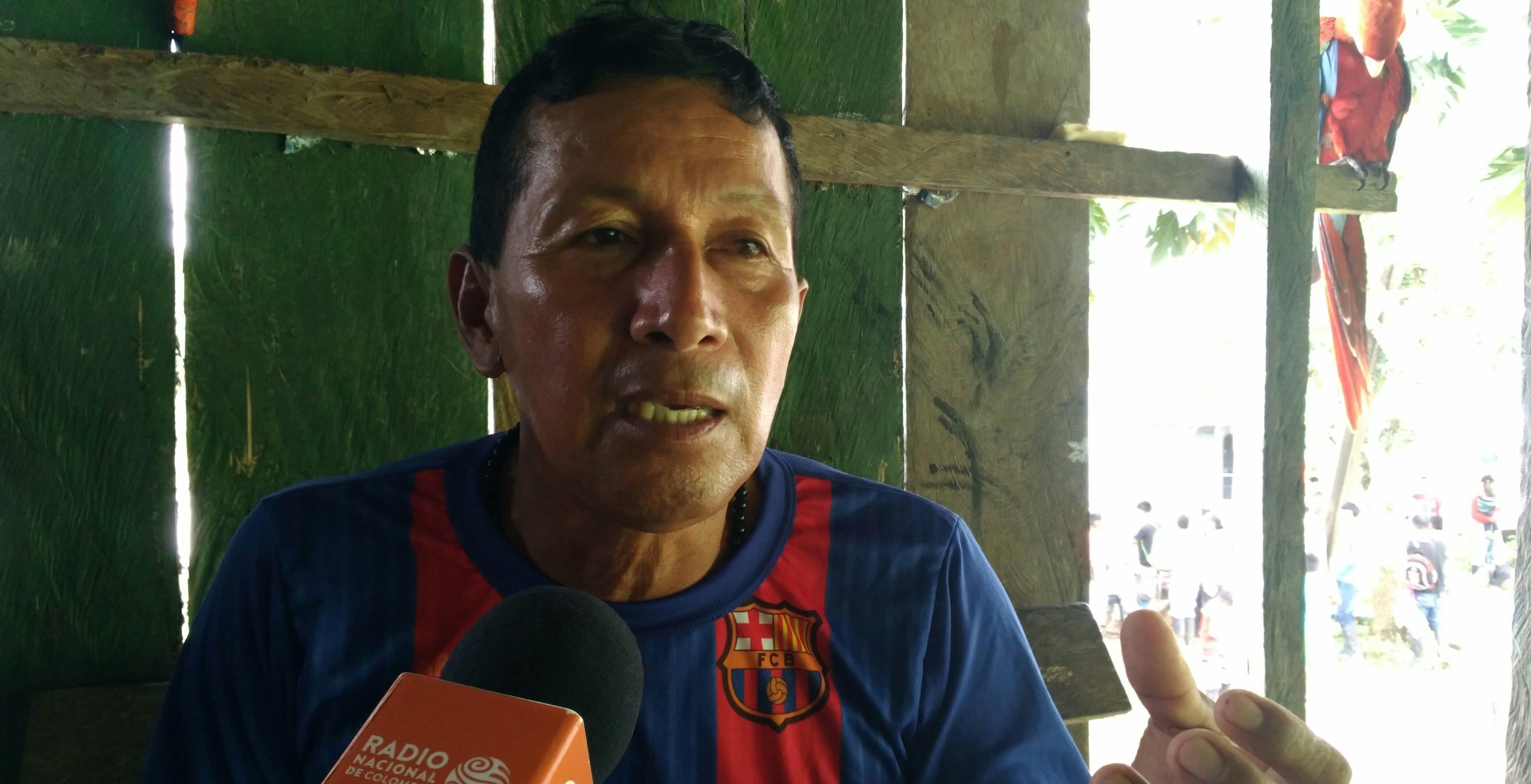 El profesor Ernesto Guamán Achanga explicó su estrategia para evitar la pérdida de la cultura Quichua en su comunidad. Foto: Mauricio Orjuela.