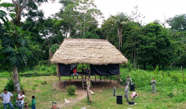 Centro de reuniones de los Quichuas en Puerto Puntales. Foto: Mauricio Orjuela.