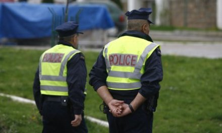 Građani sinoć upali u stanicu policije u Zubinom Potoku i oslobodili Slobodana Sovrlića