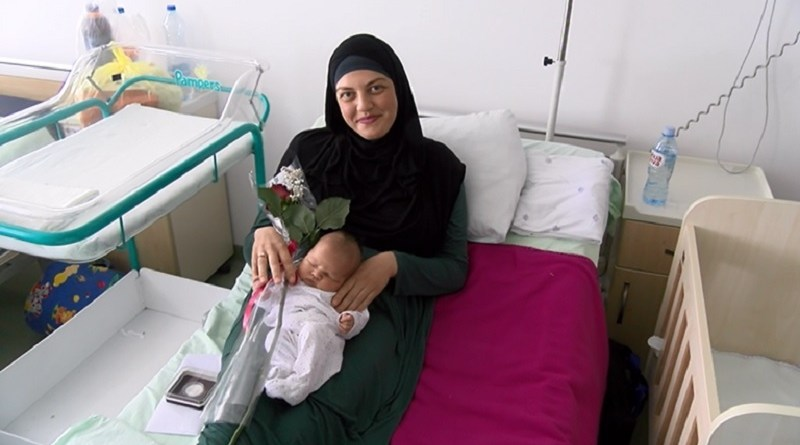 Srebrnjaci za bebe rođene na Dan grada