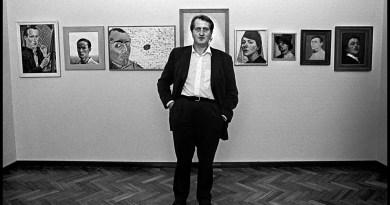 Gerrit Komrij tijdens Kijken is Bekeken Worden Stedelijk Museum Amsterdam 14 juni 1996. Foto Klaas Ko