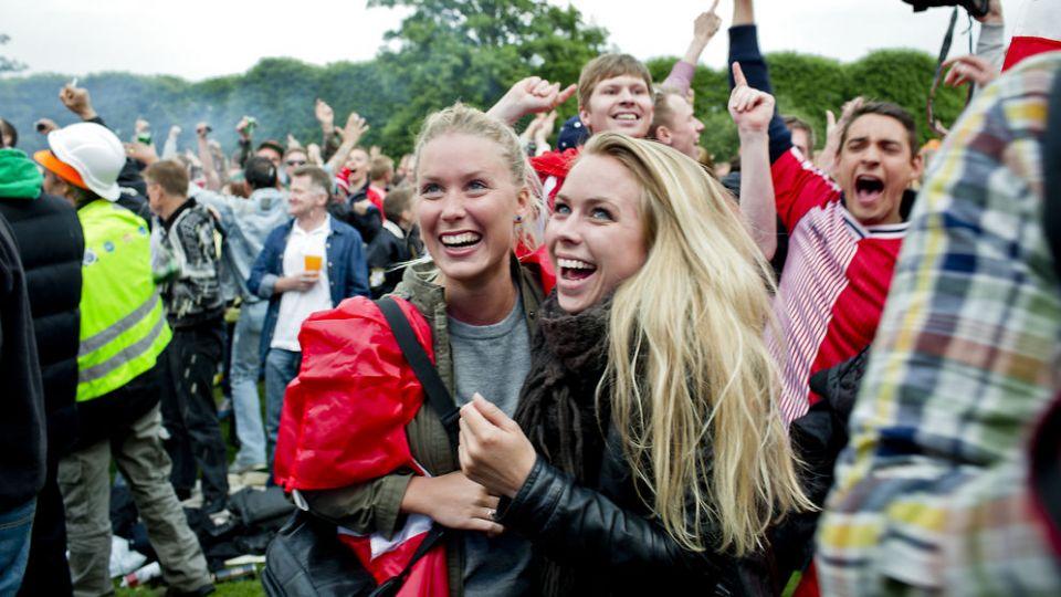 Të rinjtë danez vuajnë nga lumturia e tepërt