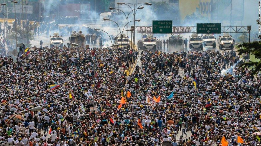 Protestat kundër Maduros, raportohet për 35 të vdekur dhe 850 arrestime brenda një jave