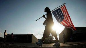 Майкл Мур представит фильм о политике США «Куда бы еще вторгнуться»