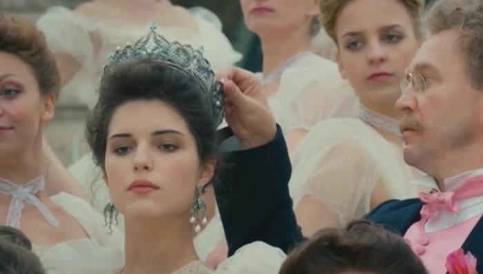 Фильм «Матильда» выйдет в прокат. Министерство культуры не увидело «оскорбления чувств»