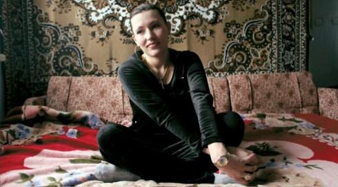 Медсестра бывшего ливийского диктатора Муамара Каддафи, 24-летняя Оксана Балинская, в своем доме в центральной части Украины.