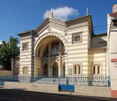 Эта синагога в Вильнюсе, единственная из всех, пережила Холокост и была вновь открыта в 1993 г.