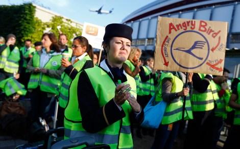 В пятницу 31 августа экипажи самолетов крупнейшего в Германии авиаперевозчика Lufthansa провели восьмичасовую забастовку. К настоящему времени из-за нее пришлось отменить более 200 местных и дальних рейсов