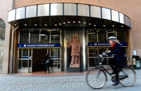 Вход на станцию Kungstradgarden.