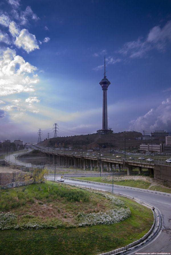 Самые высокие телебашни мира (22 фото)