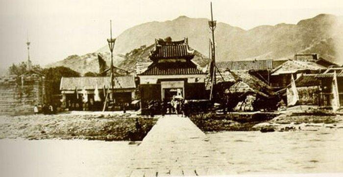 Захолустный Коулун в 1915 году — не город, не крепость… Не британский, не китайский… (фото с сайта en.wikipedia.org).