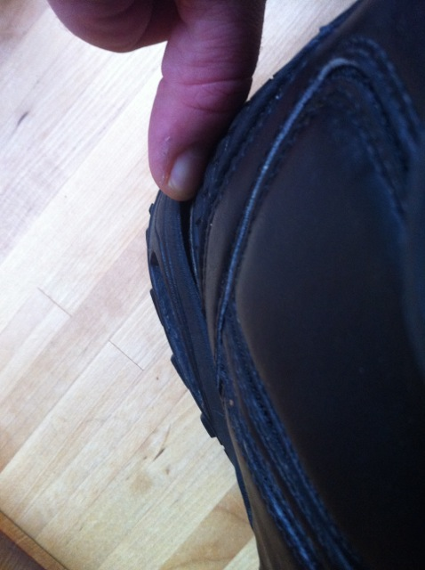 Vans Cirro 2011. Heelcup separating from leather uppers.