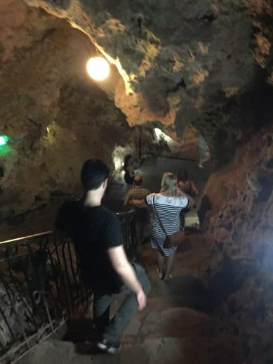 Ayala, Las Cuevas