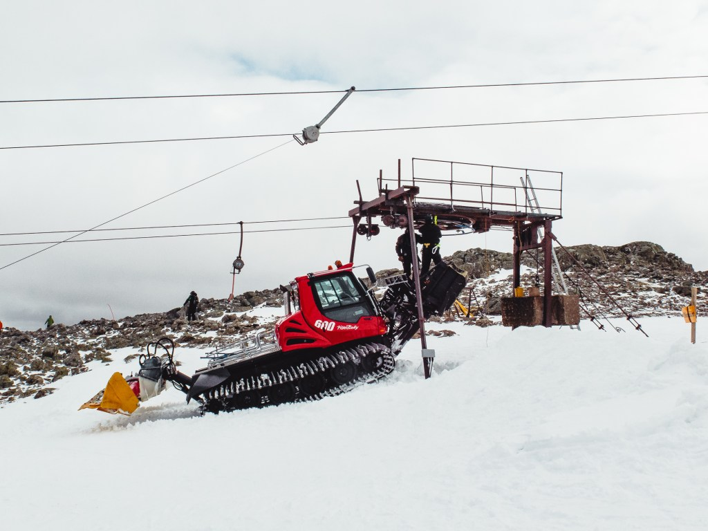 Maintaining the lifts