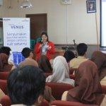 Mahasiwa Universitas Mercu Buana Gelar Edukasi Tata Krama dan Public Speaking