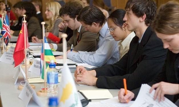Apa itu MUN (Model United Nations), Cara Berpartisipasi, Manfaatnya?