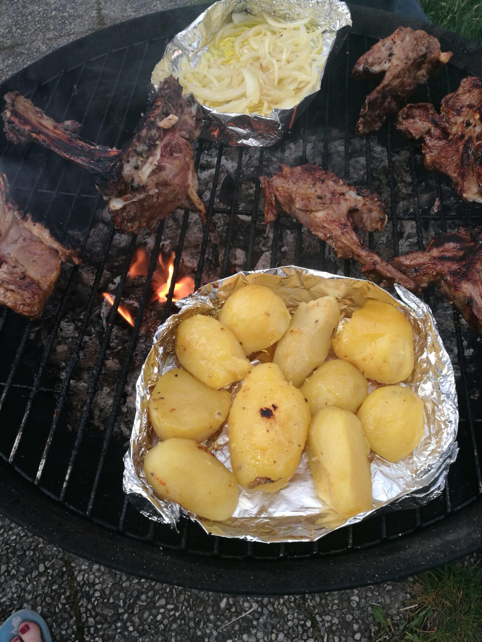 Read more about the article Tipps für perfekte Grillkartoffeln