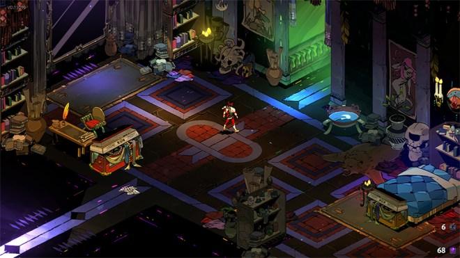 Screenshot do jogo Hades. Uma imagem do quarto do Zagreus: no topo direito, um espelho e duas estantes, ao centro esquerdo uma secretária e uma entrada, no meio direito uma saída, e em baixo do lado direito uma cama. Zagreus está nocentro.