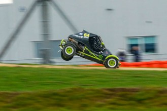 Monster athlete Luke Woodham had fun in the rx150's