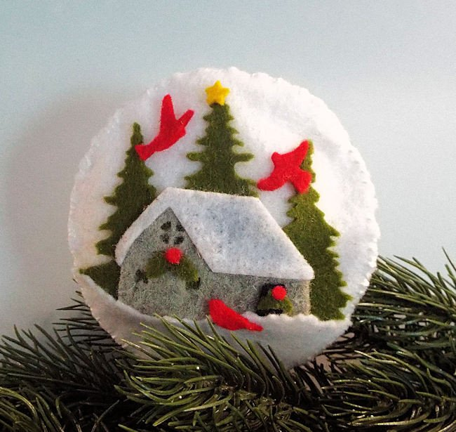 Rubbernecker Blog Click-thru-to-see-how-I-made-cozy-felt-ornaments