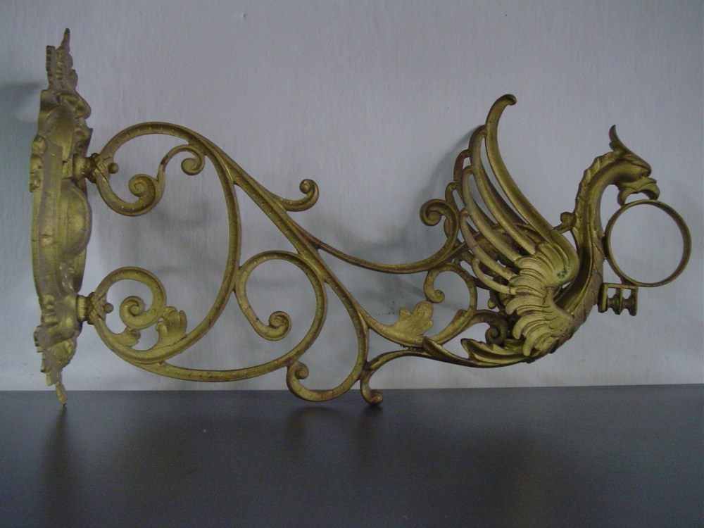 My antique cast iron dragon Wall Bracket (1/6)