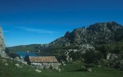 Asturias - Picos de Europa - Ercilla lake