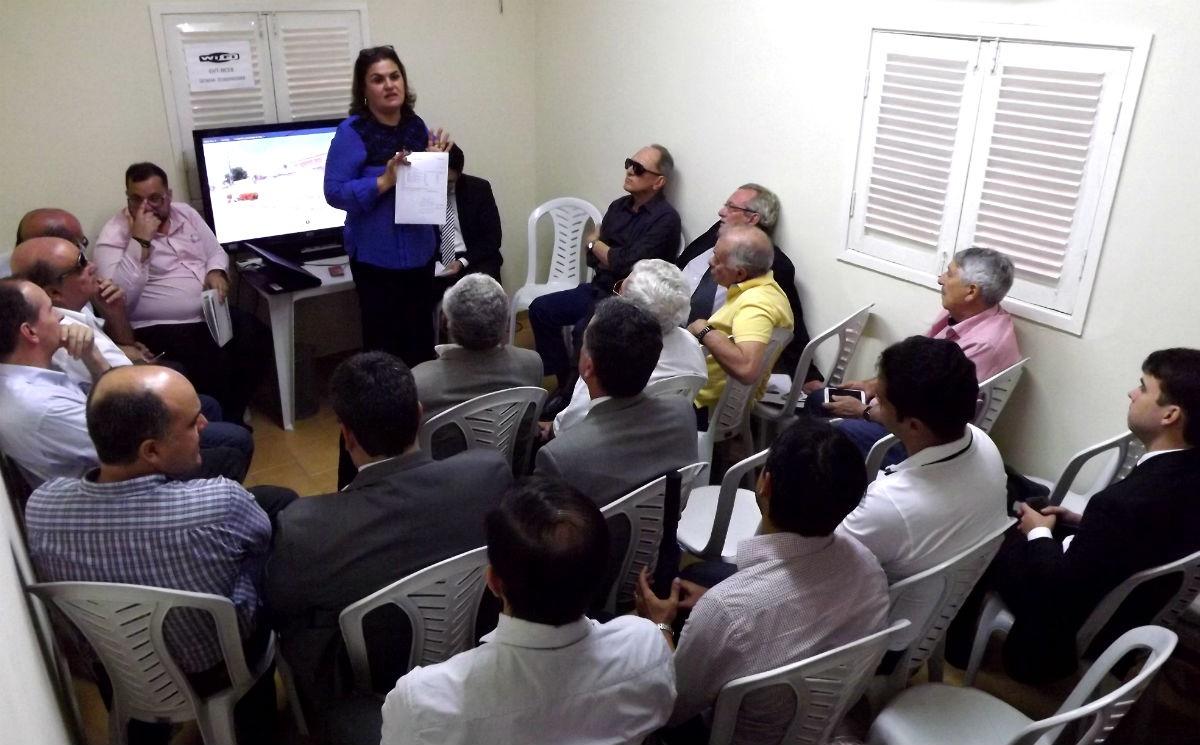 Sanny Japiassu expõe detalhes do projeto aos procuradores (Foto: Ascom/Aspas)